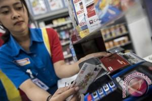 Biaya saldo e-money kontradiktif dengan kampanye transaksi non tunai