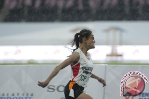 Emas Lari 200 Meter Putri