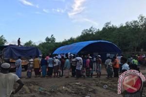 Tenda dari Indonesia akhirnya bisa dinikmati pengungsi Rohingya