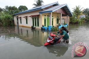 Korban banjir Mukomuko tolak bantuan BPBD