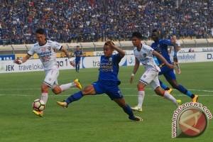Bali United tahan imbang Persib 0-0