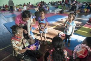 Gunung Agung berstatus awas, masyarakat kabupaten Karangasem mengungsi