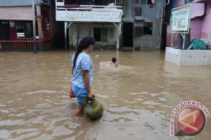 Banjir Luapan Sungai Di Medan