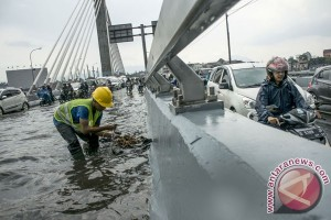 Banjir Jembatan Layang Pasopati Bandung