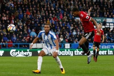 Manchester United telan kekalahan pertama usai ditekuk tim promosi 2-1