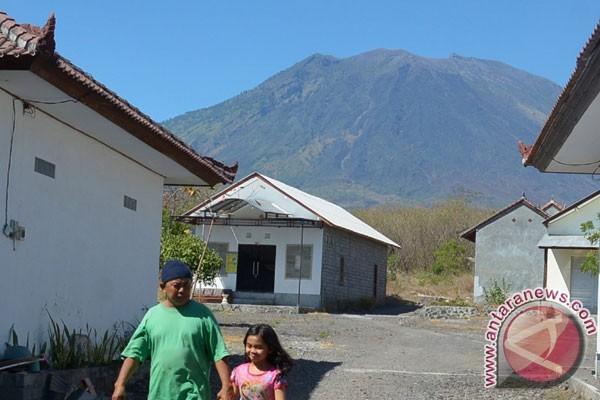 BNPB tutup akses zona merah Gunung Agung
