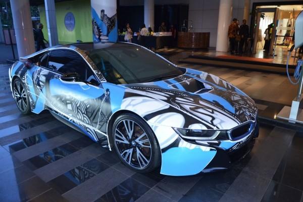 Permalink to Begini tampilan BMW i8 setelah dikelir 'Clash of the Titans'