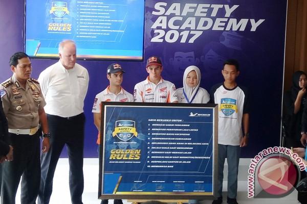 Dua pebalap MotoGP berbagi ilmu di Michelin Safety Academy