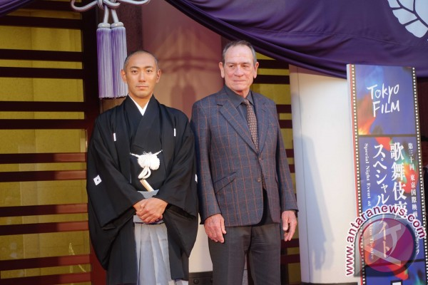 Malam Istimewa Di Teater Kabukiza, Ginza