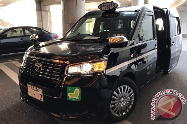 Mencoba Taksi Jepang Bertenaga Elpiji Keluaran Toyota