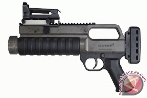 Connie Rahakundini: Pengadaan senjata impor Korps Brigade Mobil itu legal