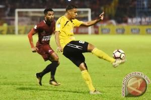 PSM bungkam Semen Padang 4-0