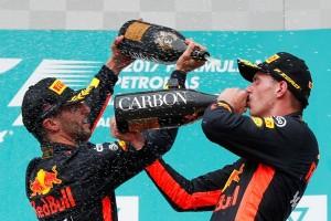 Verstappen juara F1 GP Malaysia, Hamilton kedua