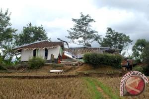 BPBD Cianjur terus lakukan pendataan dampak pengerakan tanah