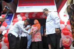 Mensos Khofifah resmikan e-warong di Palu