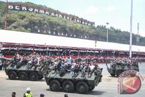 Sambut HUT TNI, warga padati Dermaga Indah Kiat