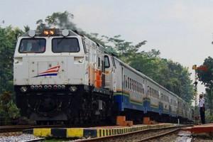 Kereta api arah Surabaya sudah bisa lewat jalur Subang