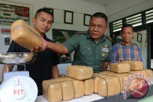 TNI Gagalkan Penyelundupan Ganja Kering