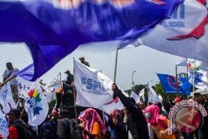 Demo Buruh Tolak Upah Murah