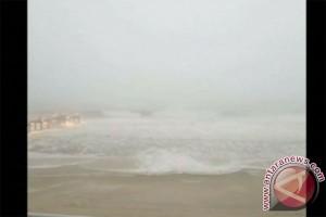 Badai Nate melemah ketika mendarat di Mississippi