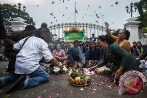 "Pemda persilakan masyarakat Yogyakarta hadiri ""Kenduri Ageng"""
