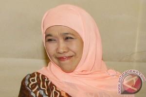 Mensos serahkan 425 alat bantu dengar di Makassar