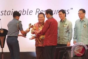 Presiden Serahkan Penghargaan Primaniyarta