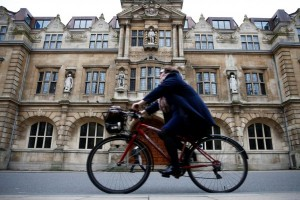 Oxford jadi kota pertama Inggris yang melarang mobil bensin dan diesel