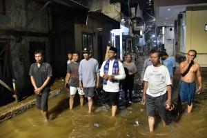 Anies melayat ke rumah korban banjir di Cipete