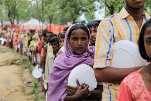 Paus Fransiskus prihatin atas nasib anak-anak Rohingya