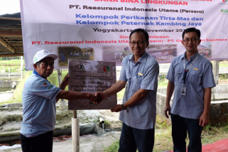 Lewat PKBL, Indonesia Re berkomitmen bangun daerah 3T