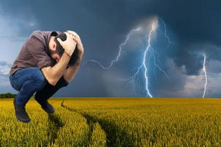 Cara melindungi diri dari bahaya petir
