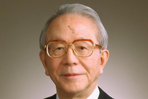 Mantan pemimpin Toyota Tatsuro Toyoda wafat