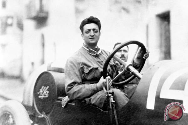 Peringati 120 tahun, Ferrari gelar pameran foto