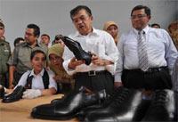 Wapres Belanja Sepatu Cibaduyut