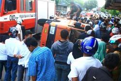 Bus Tabrak Tiga Sepeda Motor, Satu Tewas