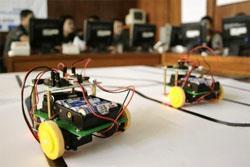 Robot Karya STMIK Medan Ingin Juara Nasional
