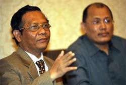 MK Kabulkan MKH Untuk Akil Mochtar