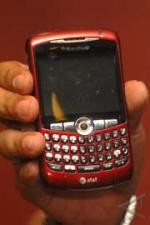 Xl Serius Garap Pasar Blackberry
